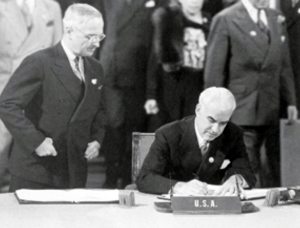 US ratifies and signs UN Charter (2)